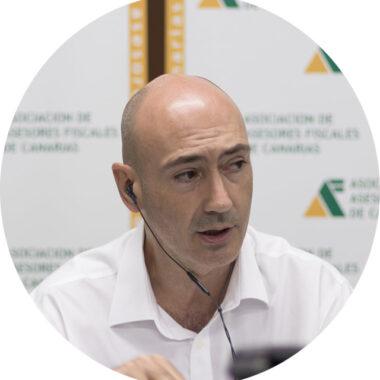 Profesor D. Javier García Curto